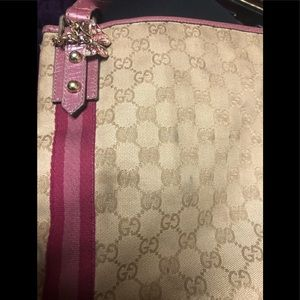 Gucci cross body bag 👄